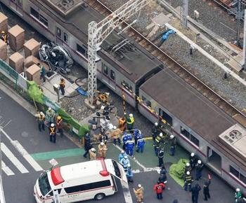 東武鉄道踏切事故(3月1日).jpg